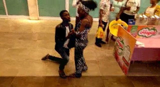Nigerian Man Humiliates Girlfriend Publicly With A Fake Marriage Proposal At Shoprite (video)