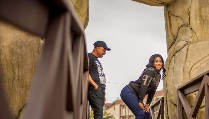 Nigerian Man Stares At His Partner's Backside In Their Pre-wedding Photos