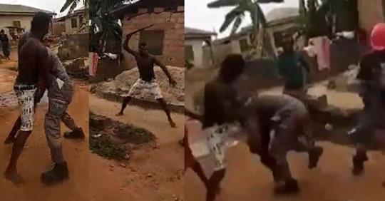 Man Fights PHCN Official With Machete Because He 'cut His Light' In Lagos (Video)