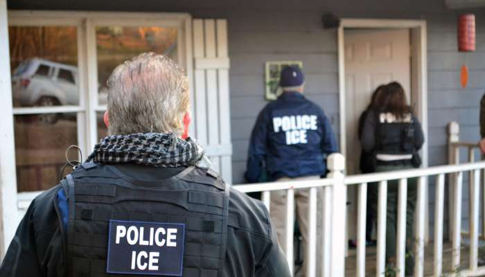 """Update: US Immigration To Begin Its Nationwide Raids This Sunday To Arrest And Deport """"thousands"""" Of Undocumented Immigrants."""