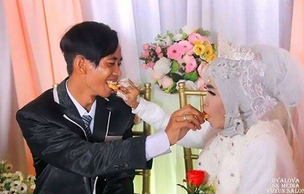 WOW! 65-year-old Grandmother Marries Her 24-year-old Adopted Son (Photos)
