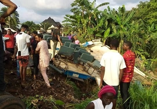 Four Members Of A Family Who Were On Their Way To Attend A Funeral Killed In A Fatal Accident In Anambra (photos)
