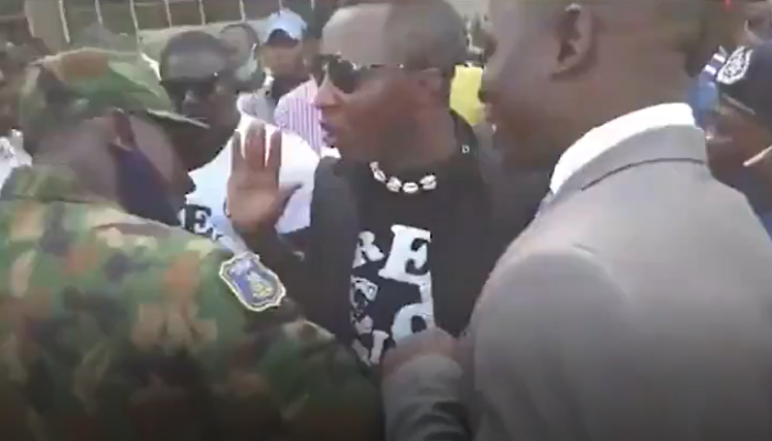 Armed Military Men Harass Yele Sowore And Other Peaceful #EndSARS Protesters In Abuja