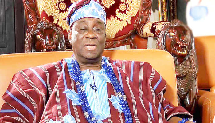 EndSARS Protest: Oba Of Lagos Returns To His Palace 10 Weeks After His Palace Was Invaded (Video)