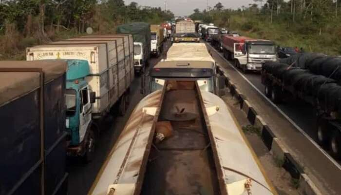 Tanker Drivers Block Lagos-Benin Highway Over The Killing Of 2 Drivers By Suspected Fulani Herdsmen